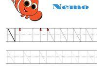 Psaní 1. a 2. třída / Psaní písmen, prvků písmen, obtížnější grafomotorické tvary, hůlková písmena, číslice.