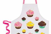 Kickin' It In The Kitchen / Gorgeous aprons from Designer Online as well as inspirational pics and recipes to get you cooking. Enjoy!