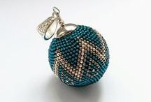 Crochet beaded bead