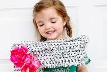 Pinata / Remek szórakozás születésnapi bulik végén, a gyerekek imádják. A gyűjteményben elkészítési útmutatót is találsz. Itt elolvashatod, hogy kell játszani. http://new.kreativlurko.hu/blog/19_pinata.html