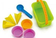 Kerti játékok, homokozó játékok, játszótéri játékok, vízi jázékok / Nyár, homokozó, vízpart, nyári szünet