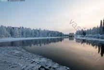 Kajaaninjoki / Kajaaninjoki laskee Nuasjärvestä Oulujärveen. Se on Sotkamon reitin laskujoki. Kajaaninjoessa on neljä koskea: Petäjäkoski, Kuurnakoski eli Kalliokoski, Koivukoski ja Ämmäkoski. Joki kulkee nimensä mukaisesti Kajaanin läpi.