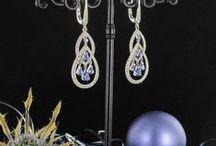 Un Noël Bleu : Découvrez notre séléction ! / Partez à la découverte de toutes les nuances de bleu au travers de notre collection de bijoux sertis de gemmes bleues : http://www.bijouxbaume.com/boutique-de-noel-bleue-m60251.html