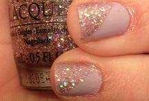 nails / by Alyssa Carlier