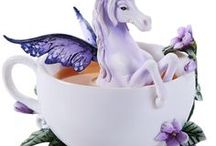 The Noble Unicorn / Glittering horns, shining manes and tails, pearly coats... unicorns have captivated us for centuries! Here are our favorite unicorn products, artwork, crafts, and more!
