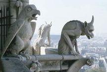 Architektura Romantismu v Evropě / Neoslohy - (neogotika,neorenesance,neobarok,...) v Anglii vychází kniha : Zlepšení pravidel a proporcí Gotické Architekruty Eklekticismus - použití prvků více slohů najednou