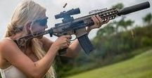 GIRLS WITH GUNS (and maybe in uniforms, also) / GIRLS WITH GUNS : beautyful, powerful, hot, armed and dangerous !