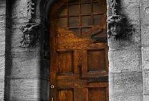 Doors - Wood/Black/Brown / by Cathy Hogan