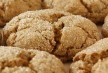 Food- Cookies / by Lori Hanson
