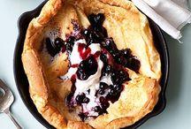 LET'S EAT : Breakfast / Breakfast, pancakes, hot cakes, eggs, waffles, omelets