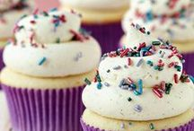 Cakes and Cupcakes / by Lindsay Spake