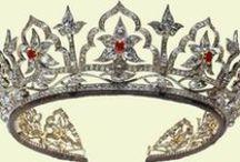 Queen Elizabeth the Queen Mother jewellery