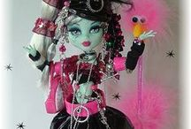 MONSTER HIGH DOLL'S / <3 these doll's!! <3 / by Pam Sand