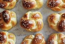 Bread / One of life's greatest pleasures is enjoying a warm loaf of bread, fresh out of the oven. This board features bread recipes that leave me weak at the knees. #bread #recipes