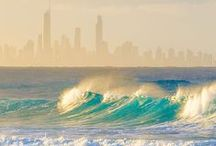 Gold Coast / Bold and beautiful, Australia's Gold Coast boasts world-famous beaches, adrenalin-fuelled theme parks, upmarket bars, clubs and restaurants, and a lush hinterland area.