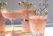 Cocktails and Alcoholic Drinks Recipes / Cocktails, alcohol, alcoholic, alcoholic drinks, drinks, spirits, martini, mocktails, booze, aperitifs, dinner party drinks, cocktail recipes