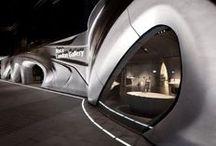 Roca London Gallery / Galeria Roca w Londynie, to awangardowa przestrzeń zapewniająca wyjątkowy, wizualny i interaktywny kontakt z marką . Projekt autorstwa firmy Zaha Hadid Architects łączący architekturę i produkty Roca w sposób zaskakujący każdego odwiedzającego. / by ROCA POLSKA