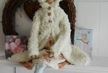 Tilda Dolls / Tilda is designed by Tonne Finnager. A designer from Norway. Tilda is pretty and generally long and slender. Her animals are very cute.