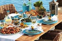 Favorite Coastal Table Decor / Beautiful beachy home decor to set a pretty table