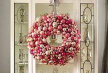 Holiday Decor, Wreaths