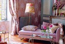 Interiør - vakre rom / Er hekta på interiør. Her kan man drømme seg bort i vakre rom med lekre farger!