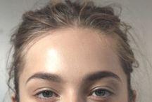 m a k e  u p / Make-up