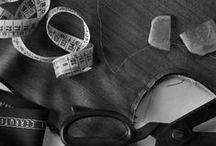 Vestir de hombre, miscelánea de recursos, ideas y combinados para el perfecto caballero. / Unas cuantas ideas y recursos para lograr que un traje de hombre luzca natural y elegante.    Nudos de corbata, orientaciones sobre largos de mangas, tipos de cuellos de camisa, solapas, acabados y las correcciones que puedan ser precisas en cualquier traje de hombre y sus complementos.