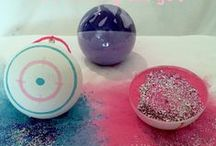 10 Unique Gender Reveal Party Ideas / Best Gender Reveal Balls!! They have Baseballs, Softballs, Footballs, Soccer Balls, Golf Balls, and Shooting Targets! Great for gender reveal parties. Pink for girl and Blue for Boy and add some spice with Glitter! These balls produce the largest reveal cloud on the market!