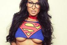 Superheroines / Superheroines