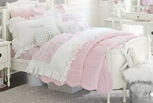Girls bedroom decor / Decor