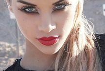 Makeup, nailpolish and hair styles