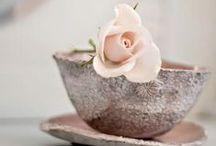 """FLORES y más / """"Todas las flores cuentan con un lenguaje propio, y con cada una de ellas se puede transmitir un mensaje diferente: amistad, respeto, admiración, etc. Cada flor tiene un significado, que va relacionado con su forma, color y nombre"""" / by Rosabel Martínez Pinzón"""