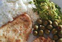 Zdravé recepty / Jíme zdravě a o jídlo se zajímáme. Radíme si navzájem a probíráme různé potraviny, recepty nebo jídelníčky. Recepty jsou tu pro inspiraci. Buďte kreativní a vařte z čerstvých surovin, co zrovna doma máte :)) Dole jsem jel rýsovačku, nahoře je to objemovka. Takže nové recepty mají více kalorii, zvedl jsem v jídle obsah bílkovin i tuků. Nejím už dělenou stravu, piju domácí pivo, zařadil jsem zpátky do jídelníčku mléčné výrobky i lepek, které mi zpomalují metabolizmus.