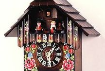 Cuckoo Clocks 1 Day Musical / 1 Day musical cuckoo clocks. Calls the time on the hour and then once on the half hour. Plays music on both the half and full hour.