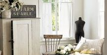 Farmhouse Living Rooms / A collection of beautiful living rooms that inspire.