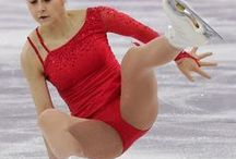 Figure Skaters Showing Us More Than Just A Skating Routine! / Stunning figure skaters flashing and falling!