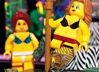 Lego Mini Figure Chaos! / The funniest Lego scenes ever!