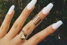 n a i l s / Nails for days (if you cant already tell - i love nude nails)