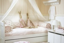 Sleeping Quarters tots to teens / Bunk rooms & small spaces