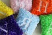 Подушки с буквами / Из плюшевых подушек можно составить имя ребенка или любое другое слово