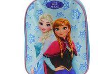 La reine des neiges Disney /  Elsa et Anna avec tous leurs accessoires :) La reine des neiges Disney