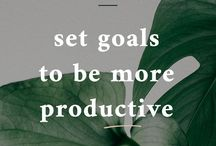 Organize Better & Be More Productive / Learn how to organize better, writing agenda, productivity, making to-do lists, plan your day, play your blog posts, plan your social media, planners, be productive, schedule social media content, schedule your blog post, organize and plan blog post, wake up early, habits for success, productive days, get the stuff done