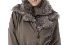 Jackets Woman - Foxbuy.es / ¿Todavía no tienes una cazadora de inspiración motera o una parka? Hazte con una, porque esta temporada no podrás pasar sin ellas