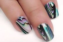 essential apparel I nail envy / From stiletto to to coffin nails, behold the nail code!
