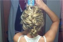 essential apparel I hair hacks / Mermaid braids, beachy waves, buns and ponytails.
