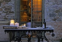 • tables / Table setting just make a room that much better