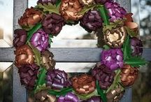 Keep on Blooming...Mums - a creation not to be quiet about / Lia has added an ADD-ON to this lovely Project. Creatively designed this ovely bouquet of MUMS & ALSO the Fall Wreath...Love this idea. --Papers used consist of Botanic, Violette, Mandarin, Plum, Mars and (Blossom, a discontinued color). Consider replacing Blossom with Rose Quartz or Kunzite. ALSO, Copper, Ruby & Antique Gold / by Paper-Papers
