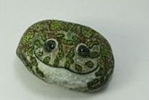 pebbles and stones - Frogs