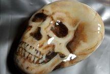 pebbles and stones - Skulls