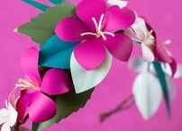 Popping Pink Paper Flower Wreath / Make this Popping Pink Flower Wreath - Find all the needed papers to make your project a success!